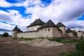 Hronsek má kostol v zozname UNESCO. Pýchou je aj kaštieľ a vodný hrad