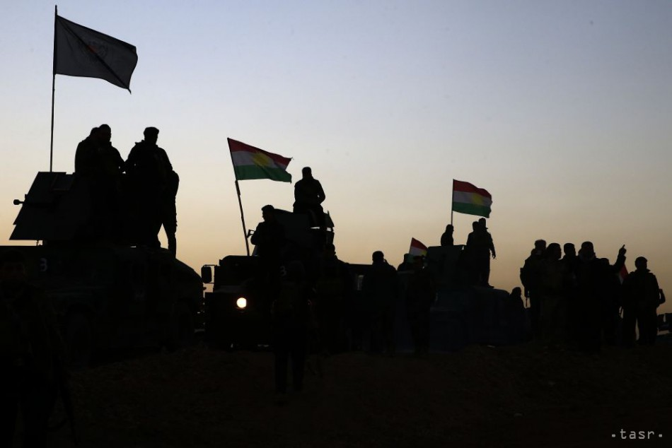 Z Mósulu ušlo pred bojmi 16.000 ľudí, ostatní chystajú biele zástavy