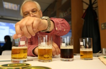 Pivní experti hľadajú najlepšie slovenské pivá