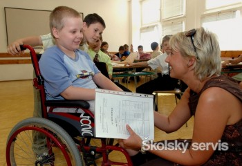 Školy s telesne postihnutými žiakmi môžu požiadať o finančnú pomoc