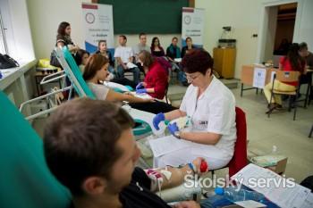 V prvý deň Univerzitnej kvapky krvi prišlo 51 darcov