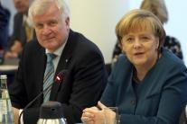 Seehofer: Merkelová je jediná, ktorá drží pohromade slobodný svet