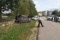 Mladík narazil do školského plotu. Zomrela jeho 21-ročná spolujazdkyňa