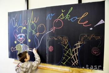 HANDLOVÁ: Do prvého ročníka základných škôl by malo nastúpiť 151 detí