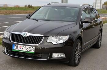 Škoda zamierila do luxusnej triedy s modelom Superb Combi