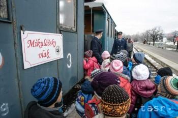 V areáli SPM premáva Mikulášsky vlak s Mikulášom, čertom a anjelom