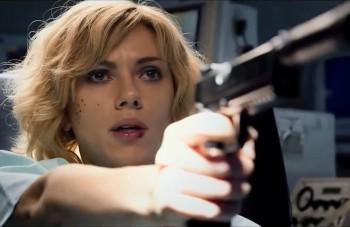 Kino novinky týždňa: Scarlett Johansson zapletená do špinavého kšeftu