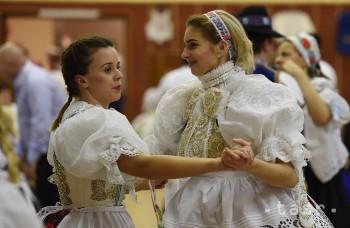 OBRAZOM: V Radošovciach plesali v krojoch