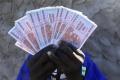 Polícia rozohnala slzotvorným plynom pouličných predajcov