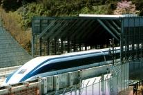 Highlighty týždňa: Za skorší odchod vlaku v Japonsku sa ospravedlnili