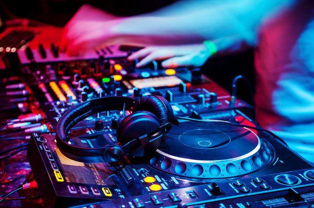 Bratislava 14. decembra (Skolskyservis.sk) - Elektronická hudba má hlavne  pre mladých ľudí veľký význam b3cca6cfe9d