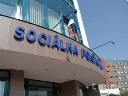 Študenti v zahraničí nemajú povinnosti voči Sociálnej poisťovni