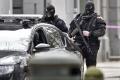 Zeman by proti IS nasadil špeciálne jednotky, Sobotka to vylúčil
