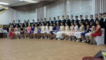 Záverečný tanečný venček v ZŠ v Kráľovskom Chlmci