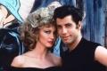 Americký herec John Travolta má 65 rokov