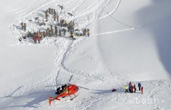 Lavína v Tirolsku zavalila 17 českých skialpinistov, päť z nich zabila