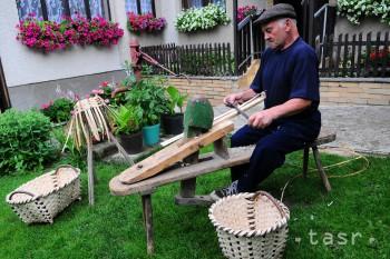 Košíky z lyka sa kedysi plietli v každom dome v Nižných Ružbachoch