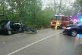Hasiči zasahujú pri vážnej nehode, pri ktorej sa zranilo šesť ľudí