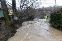 Hladina potoka v Tužine