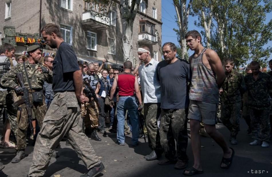 Ukrajina a Rusko si vrátili zajatých vojakov