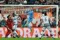 Ťahákom štvrťfinále súboj Buffon - Neuer, obaja zatiaľ neinkasovali