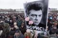 Výročie vraždy Borisa Nemcova si v Moskve pripomenuli tisíce ľudí