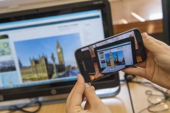 Mobilné telefóny sa môžu v školách používať len ako učebná pomôcka
