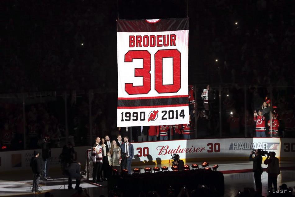 VIDEO: Veľká pocta legendárnemu brankárovi, vyradili Brodeurov dres