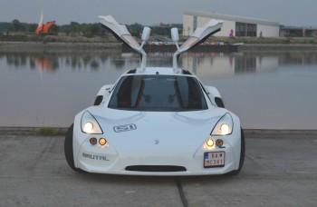 Slovenské superšportové auto bez posilňovača riadenia a klímy