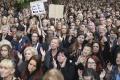 Tisíce Poliakov protestovali proti úplnému zákazu potratov