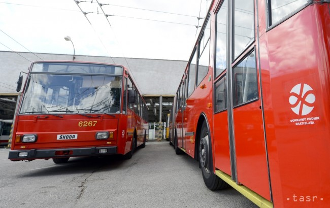 Bratislavský DPB podpísal všetky zmluvy na nákup 90 autobusov