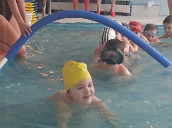 Predškoláci z materských škôl sa môžu naučiť plávať zadarmo