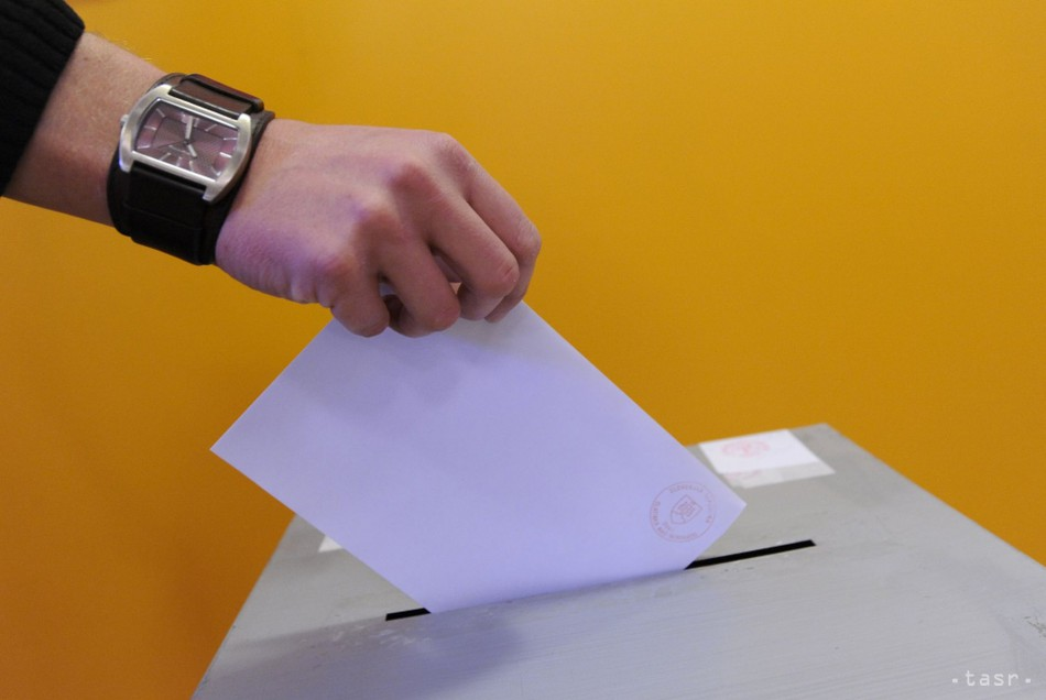 PRIESKUM: Voľby by vo februári vyhral Smer-SD so ziskom 25,5 % hlasov