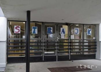 Štrajk neskončil,  niektoré školy neučia ani dnes
