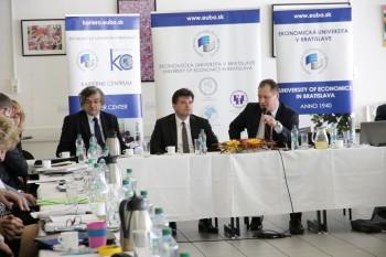 Rektori žiadajú ministerstvo, aby prepracovalo zmeny pri VŠ