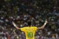 Brazílsku nomináciu dopĺňa Neymar a Douglas Costa