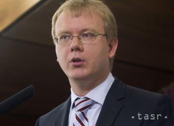 M. BEBLAVÝ: Ľ. Vážny pasivitou pri eurofondoch prispel k veľkým škodám