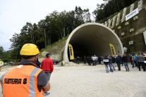 tunel, Milochov, doprava