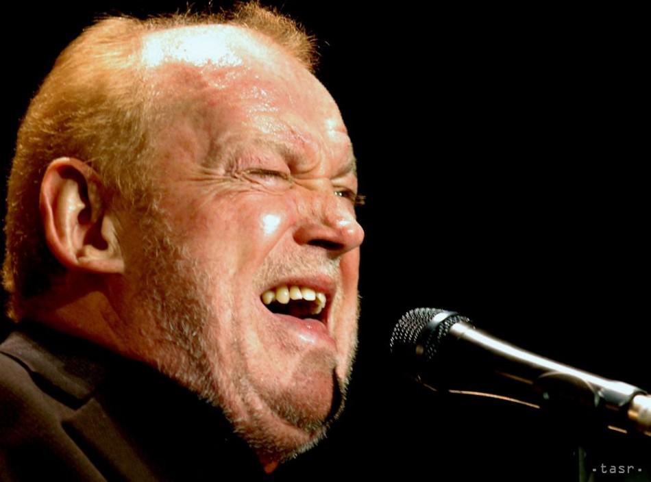Vo veku 70 rokov zomrel spevák a sk