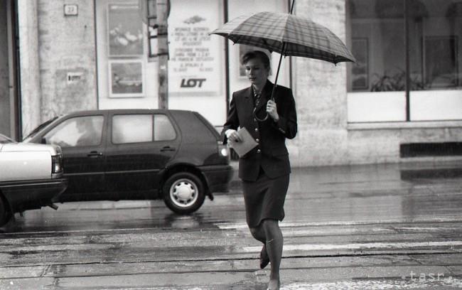 V nedeľu si na prechádzku vezmite radšej sveter i dáždnik