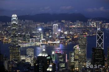 Za novú šéfku Hongkongu bola zvolená stúpenkyňa Pekingu Carrie Lamová
